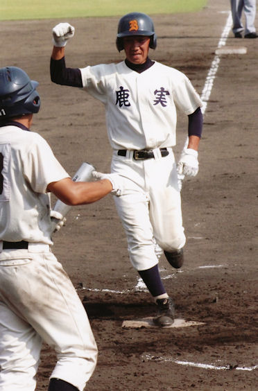 夢をかなえた大阪鶴見シニアの先輩たちをご紹介します。